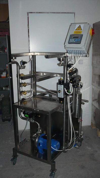 Automatická myčka a plnička KEGů KCA-25