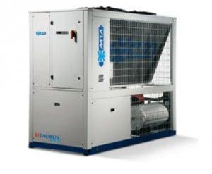 Vodní chladič s integrovaným kondenzátorem
